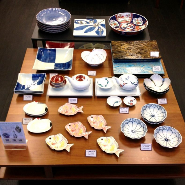japanese tableware ... & Japanese Pottery in Tokyo (traditional Ceramic tableware and art ...